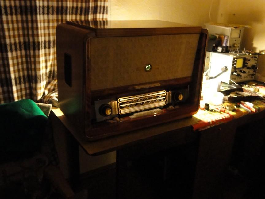 Вот вид радиолы Беларусь-59 в