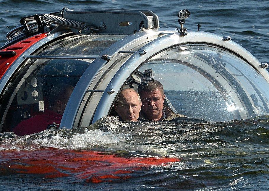 подводные лодки погружаются на дно